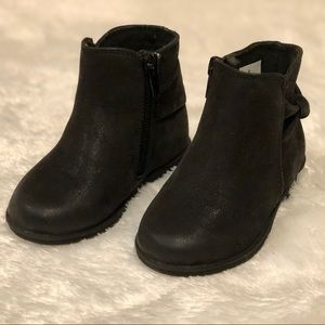 Toddler Girl's Black Boots (Size 6)